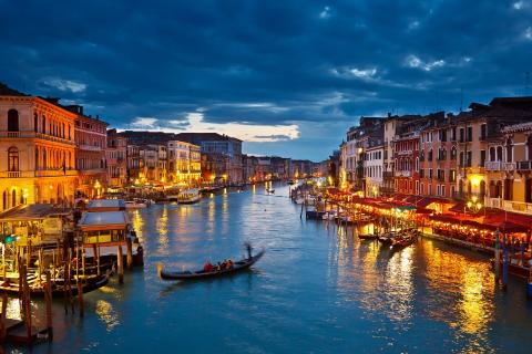 italia-venecia-noche.jpg