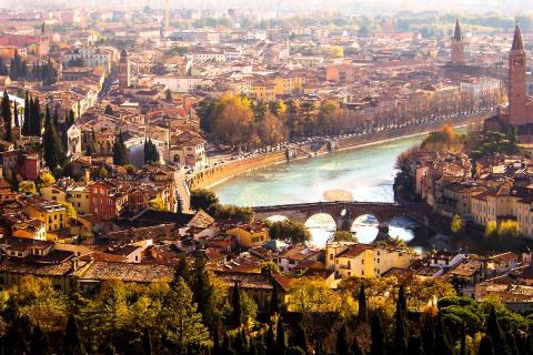 italy-verona-panoramica.jpg