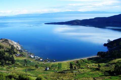 peru-Titicaca-panorama.jpg