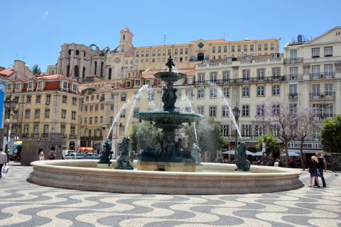 portugal-plaza-don-pedro-lisboa.jpg